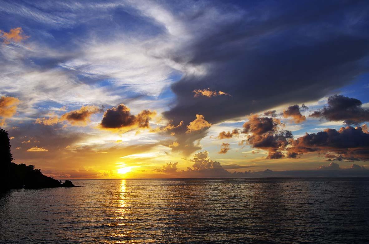 Coucher soleil location bungalow - Les plus beaux coucher de soleil sur la mer ...